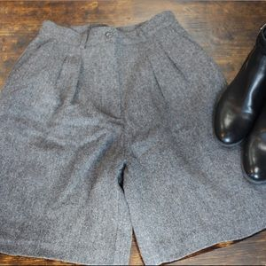Vintage Style Fitted Wool Shorts (Dark Gray)